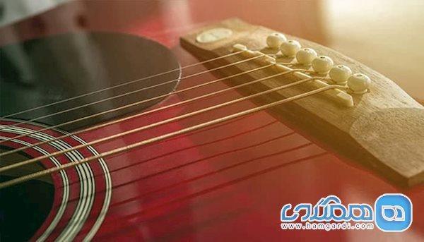 ساخت گیتاری که خودش می نوازد